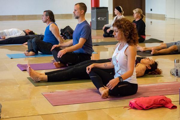 Talleres-Yoga,-Tai-Chi-y-Mindfulness-Sección-Programa